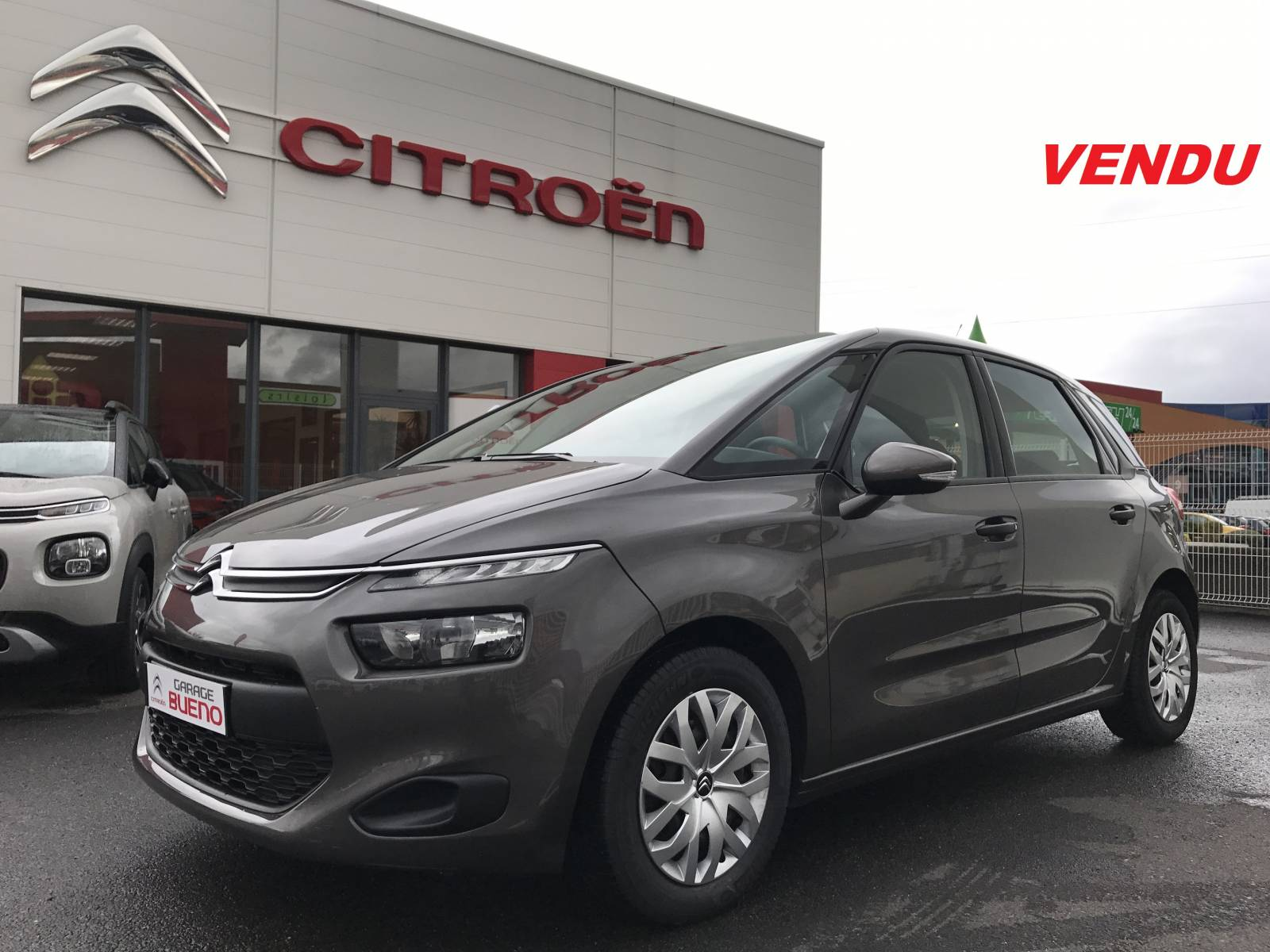 13 990 citro n c4 picasso attraction 1 6 e hdi 115 bvm6 for Garage citroen c4